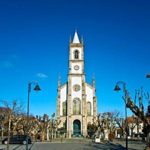 Igreja Matrizde Vila Nova de Tázem