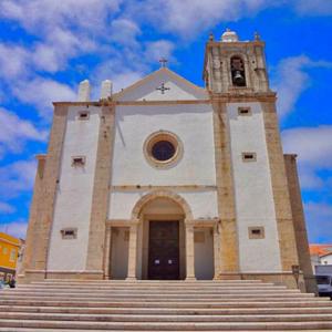Igreja matriz de São Pedro, Peniche, templo com órgão de tubos